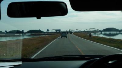 長良川河口堰方面を眺める