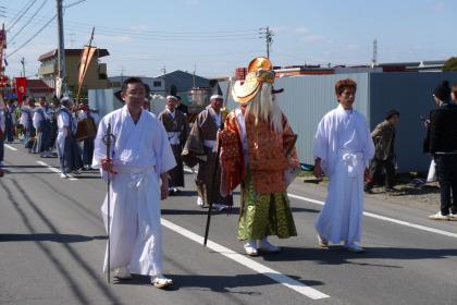 大縣神社の行列の先頭