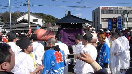 2009年3月15日、田縣神社豊年祭の御神体神輿