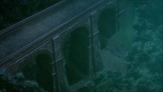 喰霊 -零- 4話 めがね橋を上空から眺めるカット