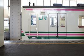 小山駅で京アニの「日常」に出てくる107系